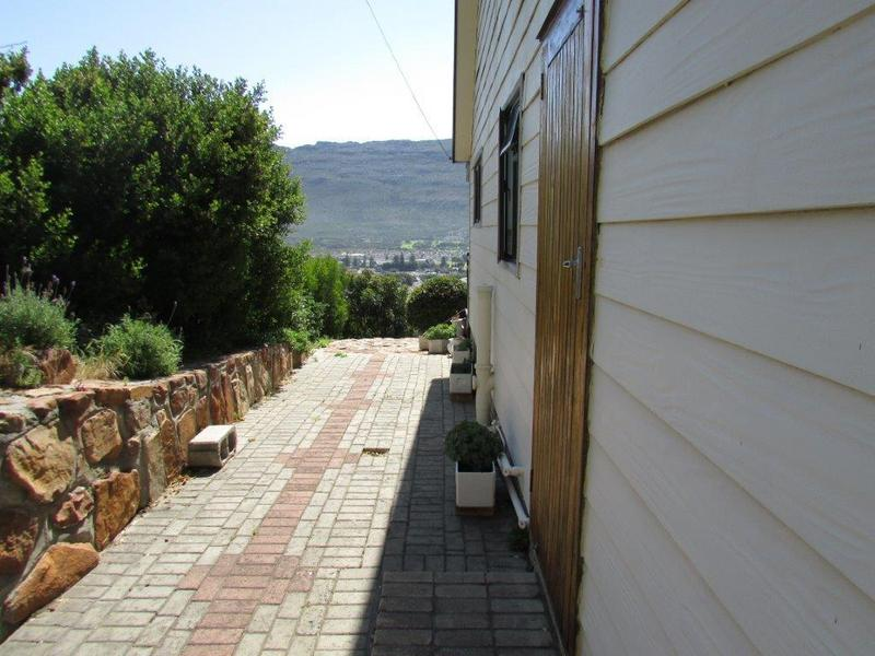 Property For Sale in Fish Hoek, Cape Town 16