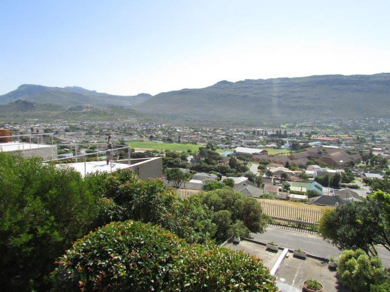 Property For Sale in Fish Hoek, Cape Town 28