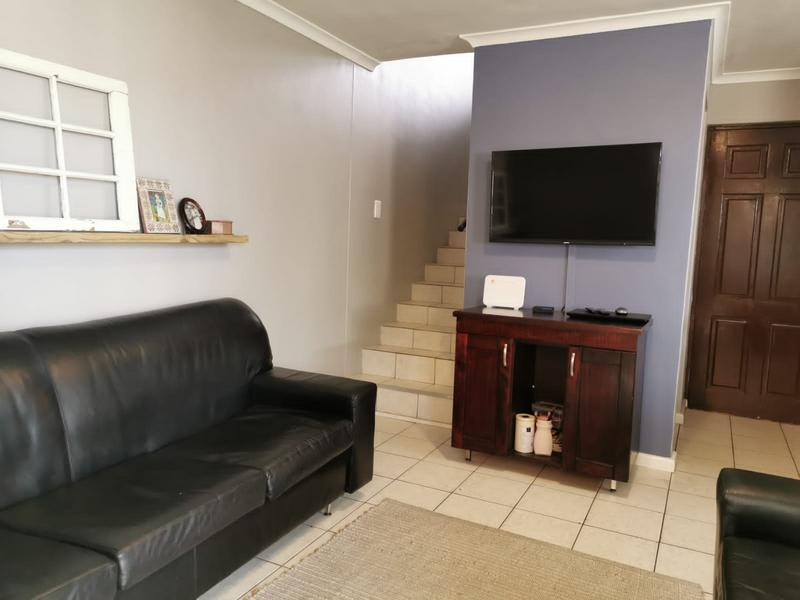 Property For Sale in Zonnendal, Kraaifontein 11