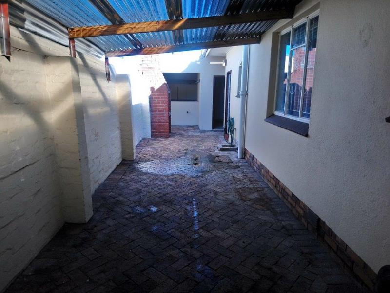 Property For Sale in Glenlily, Parow 23