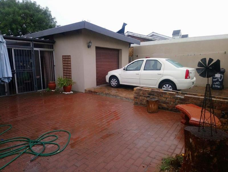 Property For Sale in Glenlily, Parow 12