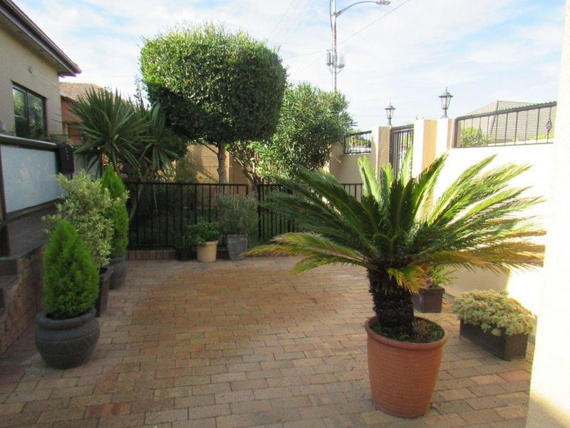 Property For Sale in Avondale, Cape Town 1