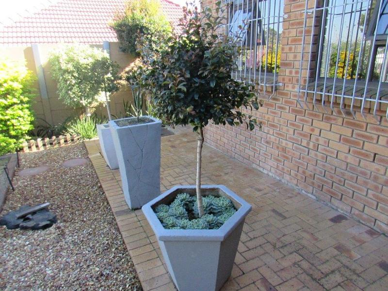 Property For Sale in Clamhall, Parow 4