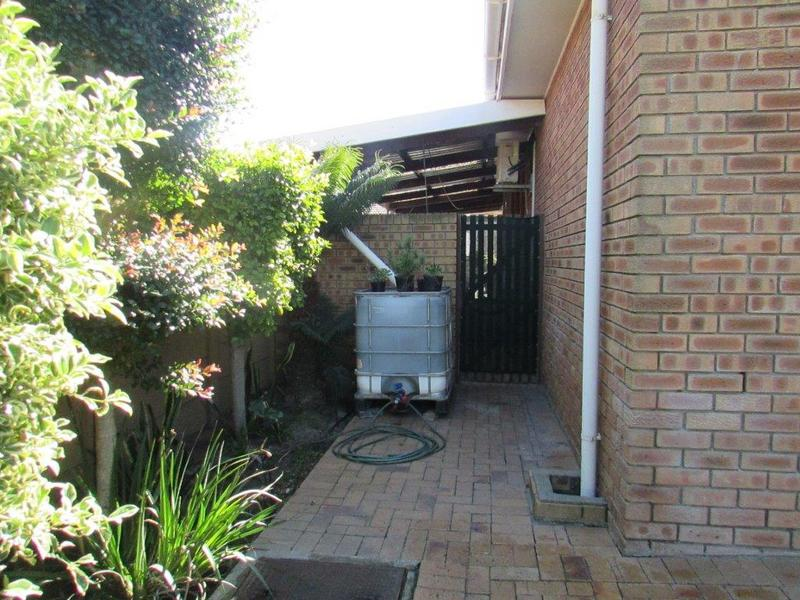 Property For Sale in Clamhall, Parow 10