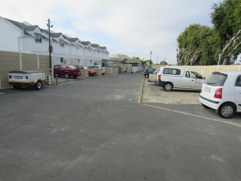 Property For Sale in Churchill Estate, Parow 17