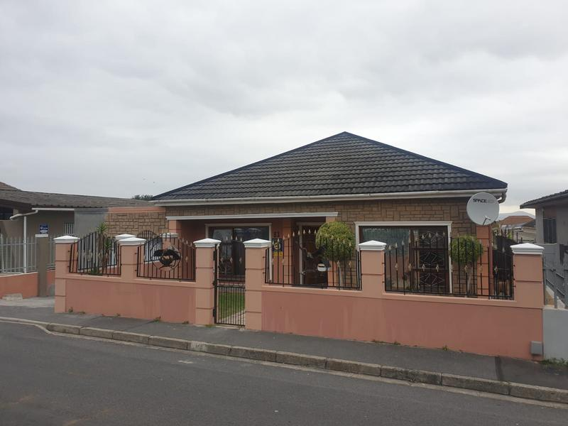 Property For Sale in Churchill Estate, Parow 8