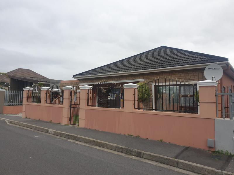 Property For Sale in Churchill Estate, Parow 26