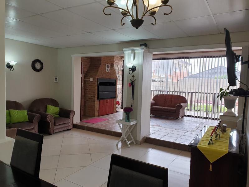 Property For Sale in Churchill Estate, Parow 34