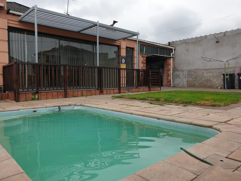 Property For Sale in Churchill Estate, Parow 44