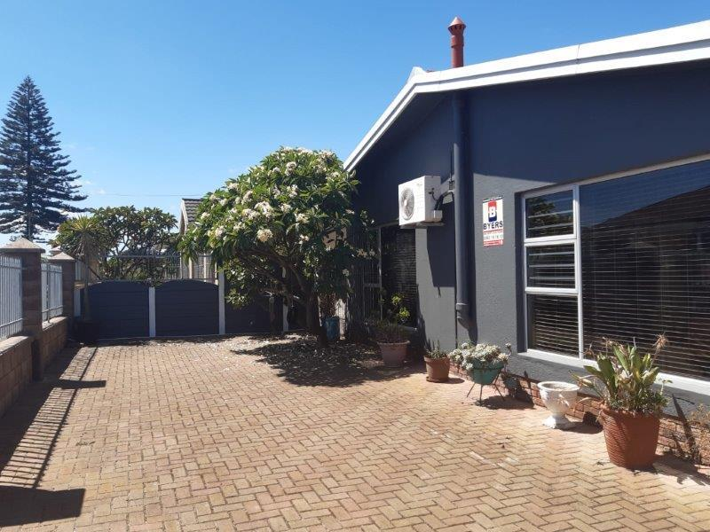 Property For Sale in Churchill Estate, Parow 9