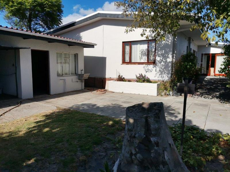 Property For Sale in Glenlily, Parow 1